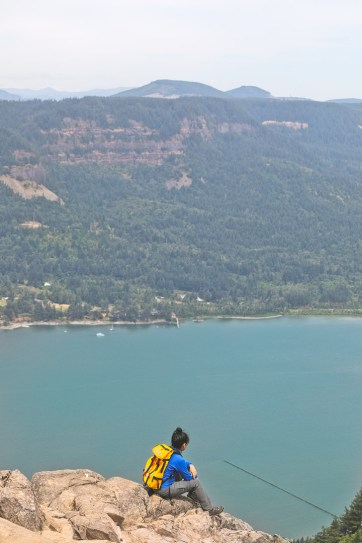 Photo Guide to the Angels Rest Hike, Columbia River Gorge - Hikes Near Portland Oregon // localadventurer.com