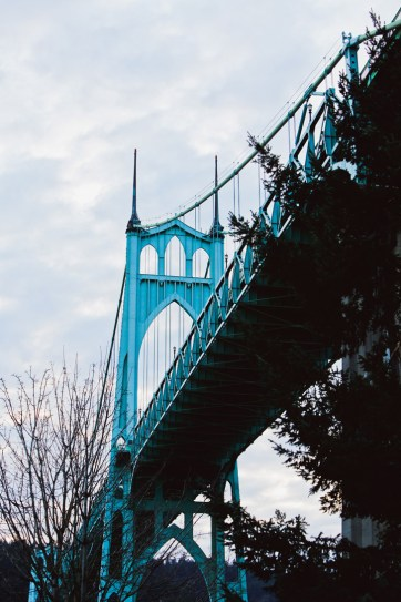 St Johns Bridge + 13 Photography Spots in Portland Oregon You Can't Miss // localadventurer.com