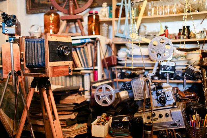 Antique Shop in Karakol (антикварная лавка) + 21 Unique Things to Do in Karakol Kyrgyzstan // localadventurer.com