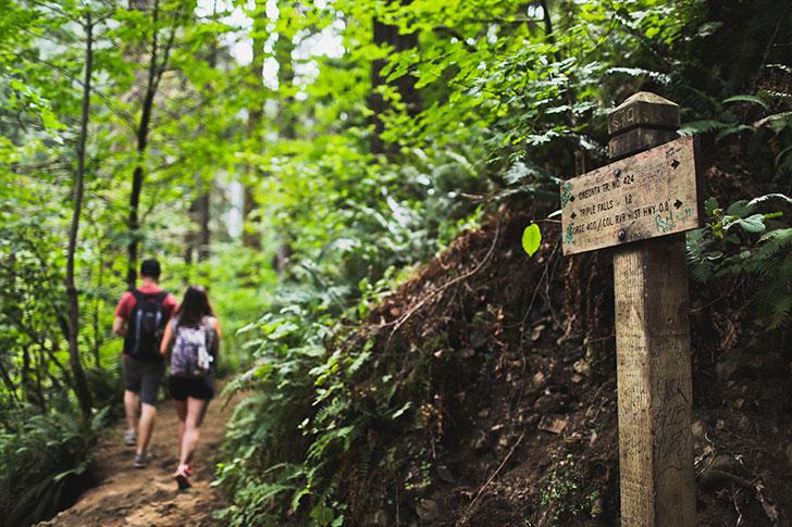 Hiking the Triple Falls Trail, Columbia River Gorge, Oregon // localadventurer.com