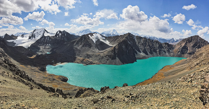Your Complete Guide to Hiking Lake Alakol in Kyrgyzstan // localadventurer.com