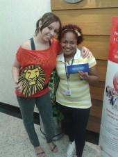 Fernanda Gomes (coordenadora Matriz) e Natany Bianca (recuperadora contemplada equipe BV Telecobrança Preditivo Matriz)