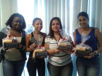 Nathalia Souza, Lidia Oliveira, Bruna Tubio e Letícia Loredo (premiadas com o Desafio de Páscoa) na equipe Itaucred - Fábrica II