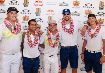 ryan-sheckler-and-klay-thompson-joined-by-friends-philippe-zarif-jeff-ledbetter-and-max-little-to-golf-for-charity