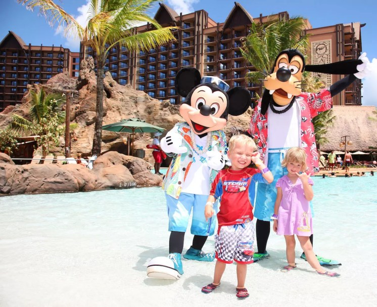 WAIKOLOHE POOL, MICKEY MOUSE, GOOFY AND FRIENDS -- With its fun recreation features and restaurants, its comfortable rooms, and its combination of Disney magic with Hawaiian beauty, tradition and relaxation, Aulani, a Disney Resort & Spa in Hawai'i, offers a new way for families to vacation together on the island of O'ahu. (Paul Hiffmeyer/Disney Destinations)