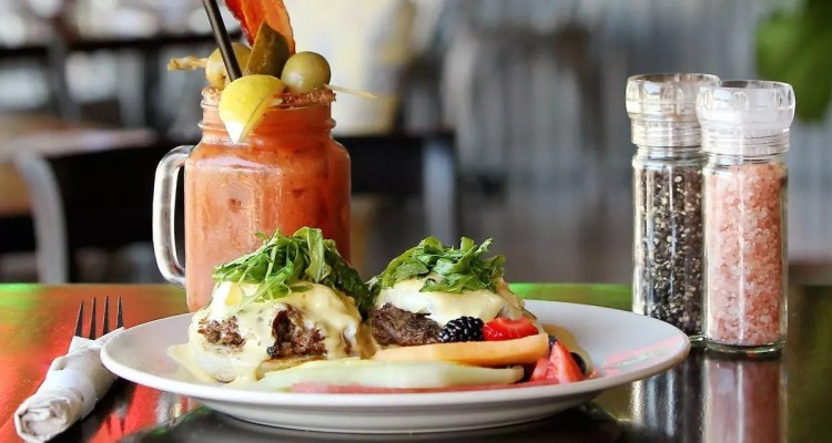 15 Places To Get Some Bangin Breakfast In Greater Palm