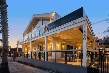 Mavericks Beach Club 13