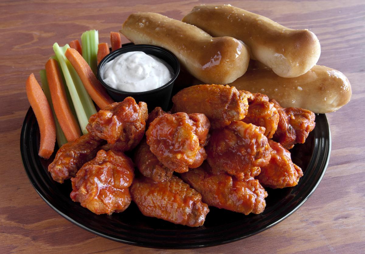 Epic Wings Buffalo wing meal