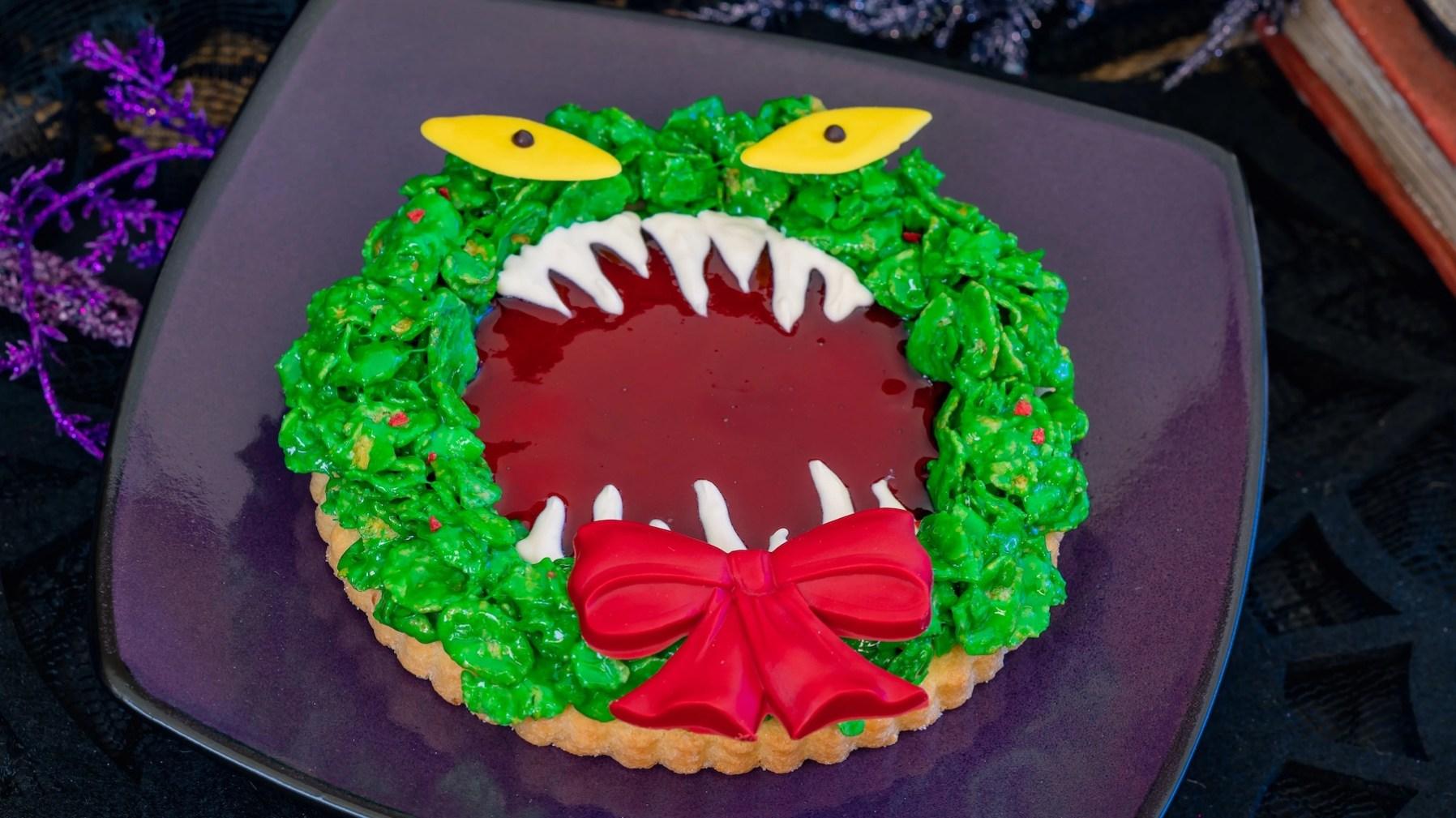 Haunted Mansion Holiday Wreath Cookie (French Market). (David Nguyen/Disneyland Resort)