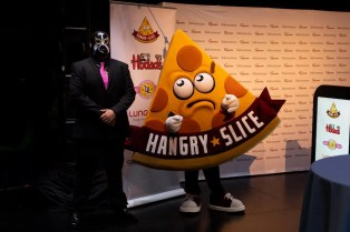 lucha-libre-the-hangry-slice-02