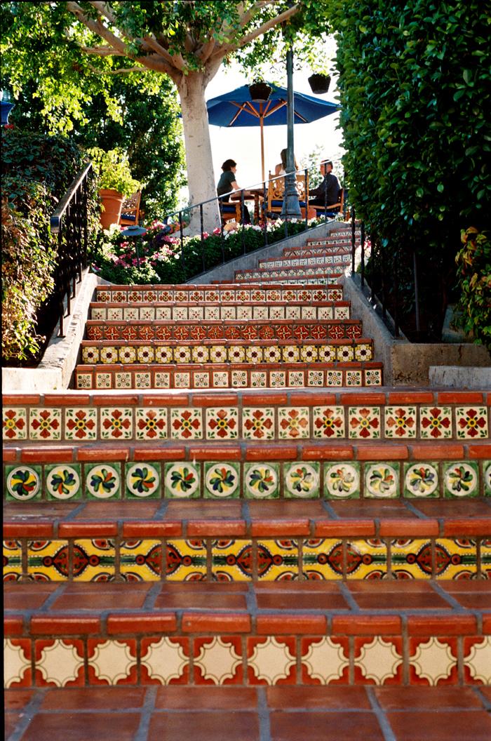 Plaza Tile Steps 01-04_La Quinta Resort