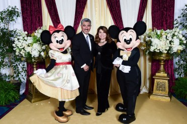 Disneyland®'s Minnie Mouse and Mickey Mouse welcomed OC Chef's Table guests once again. The magnificent event was presented by Disneyland® Resort and the Bickerstaff Family Foundation.