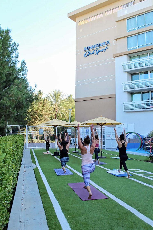 Renaissance ClubSport_Outdoor Group Fitness Class-Yoga
