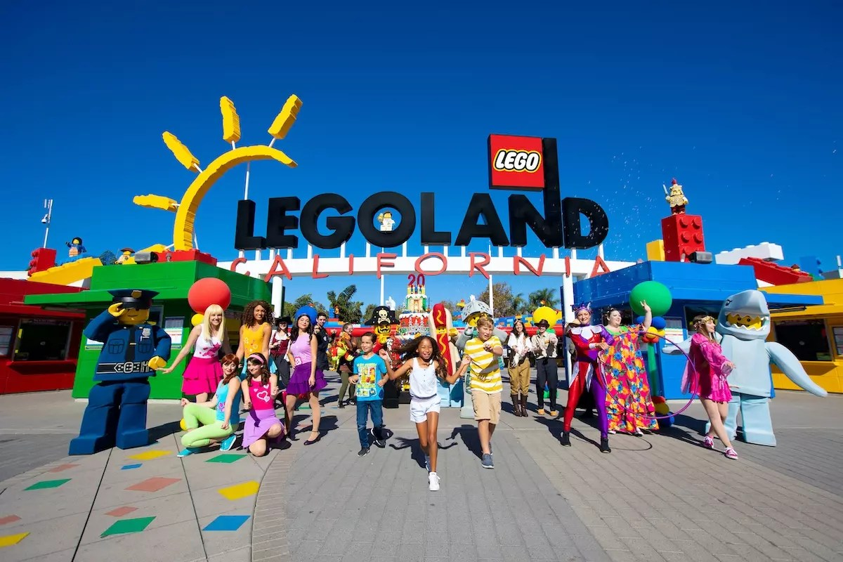 Legoland_park-entrance