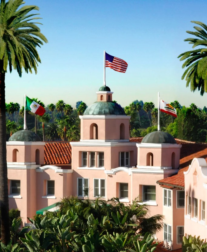 Photography Provided By: Courtesy of Beverly Hills Conference & Visitors Bureau