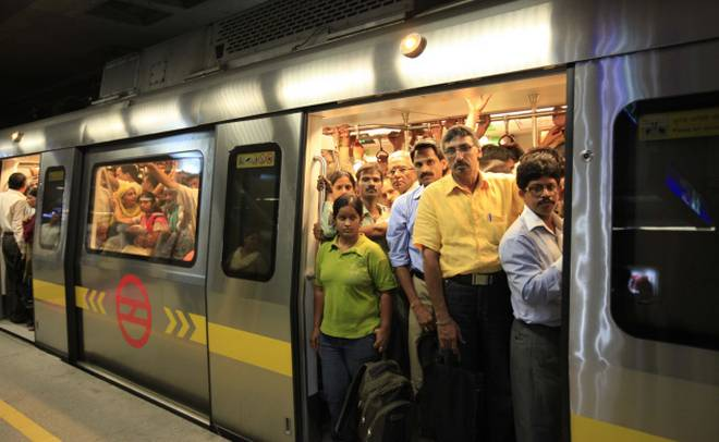 mosquitoes on delhi metro