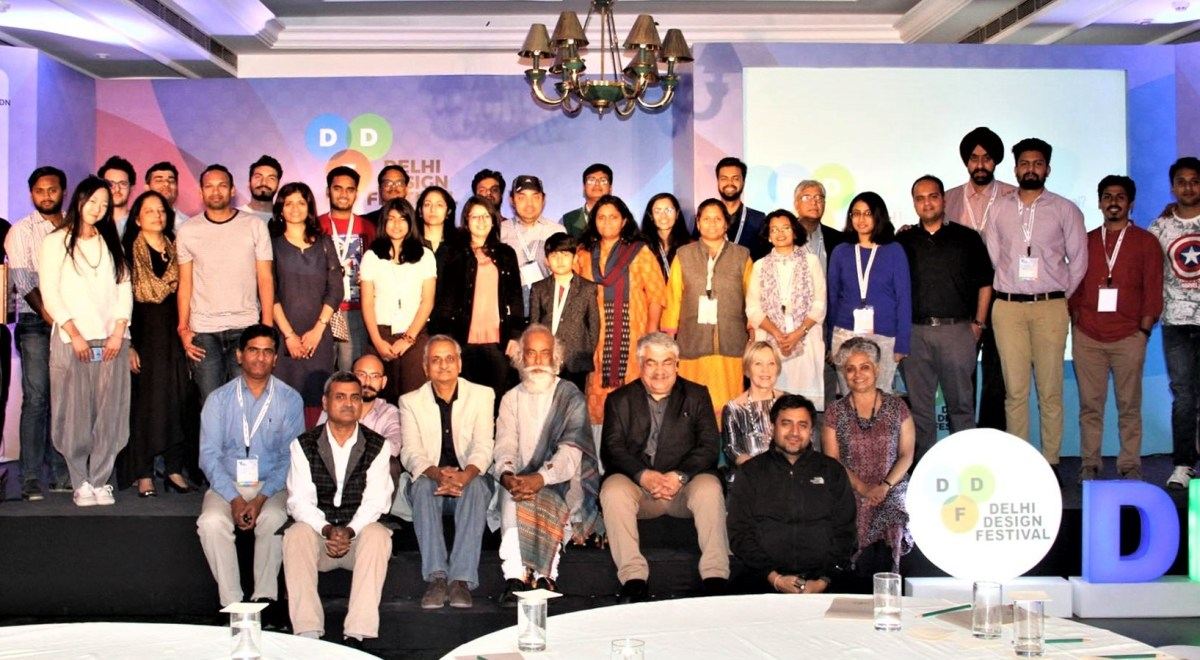concluding group photo at delhi design festival