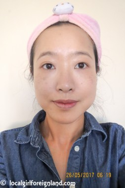 Photo taken within 5min after application. Bourjois City Radiance Foundation 02 Vanilla. Oxidation has started to kick in.