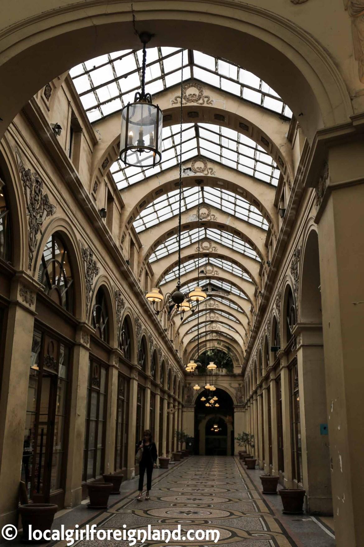 les-passages-tour-local-guddy-paris-galerie-vivienne-6782