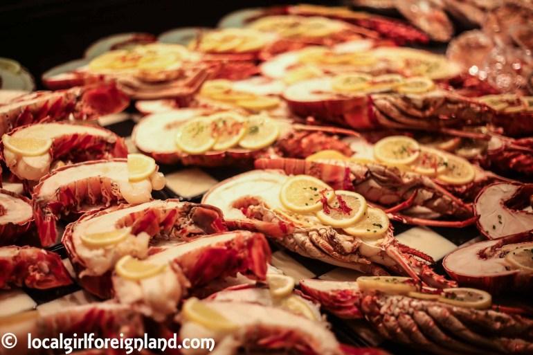 les-halles-de-lyon-paul-bocuse-ultimate-food-market-indoor-9674.JPG