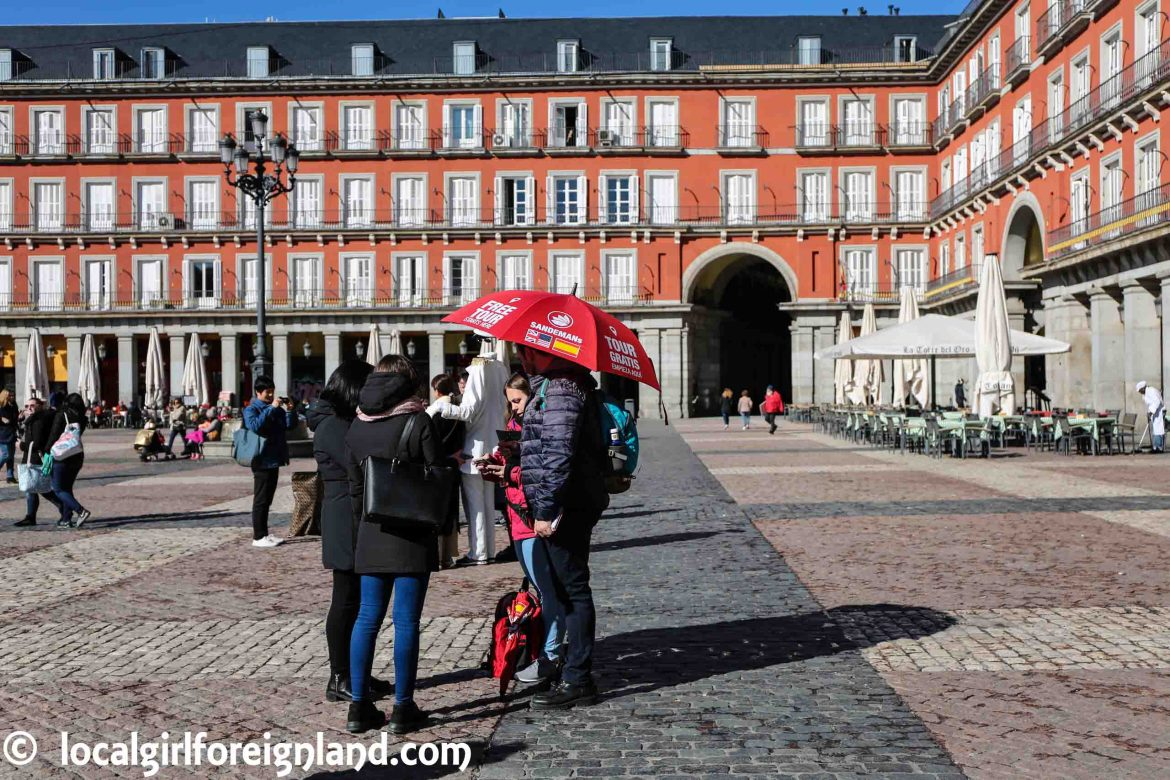 New Madrid Free Tour's meeting point, red umbrella