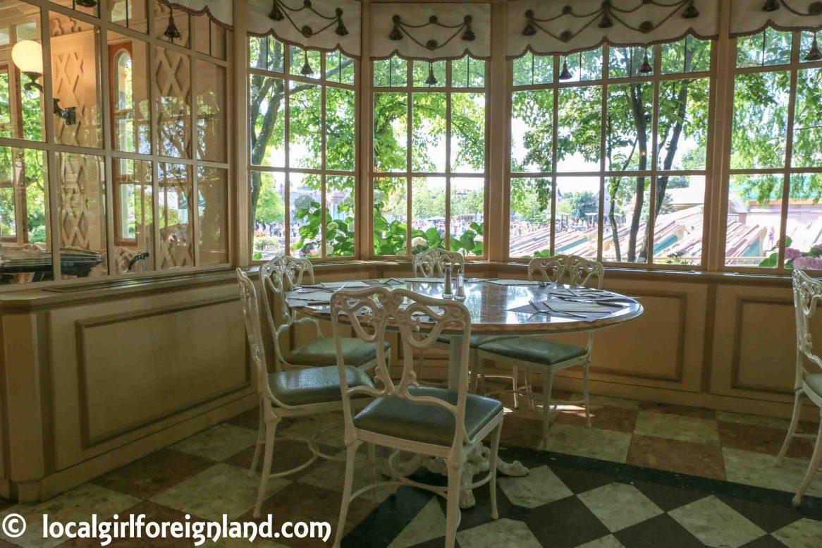 Window seats inside Plaza Garden, Disneyland Paris