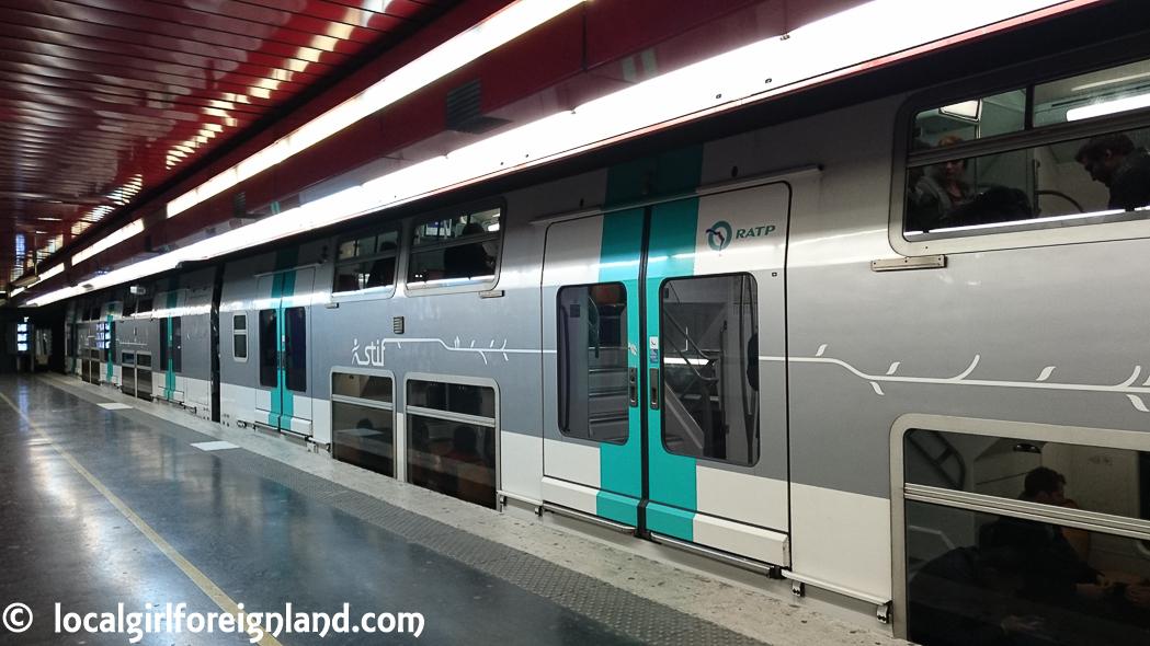 rer-double-decker-train-paris-0920