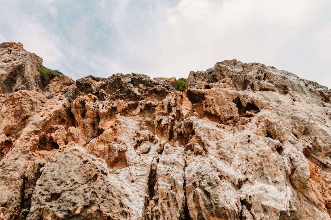 Rocky bluff at Pirate's Cove, Malibu California | as seen on the Local Love and Wanderlust Blog