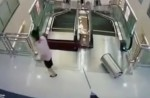 Chinese exercise extreme caution when riding escalators after mishap - 27
