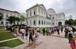 Over 3,000 visited Lee Kuan Yew memorial exhibition at National Museum on Good Friday - 1