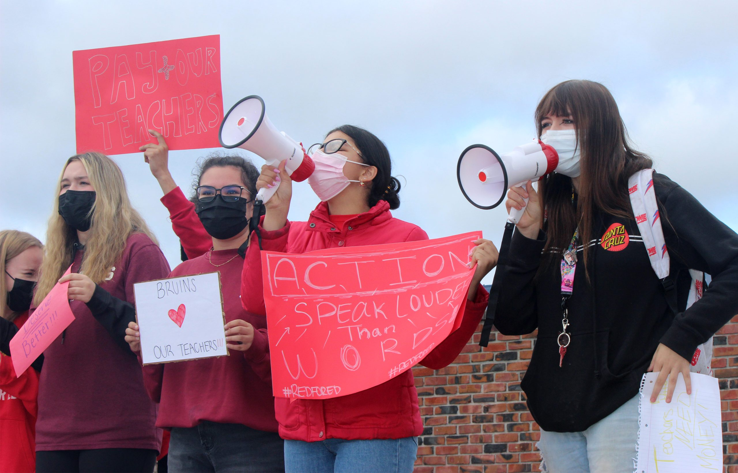Campbell high school students walk out to support teachers in contract dispute