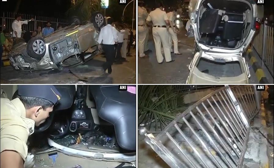 4 injured after speeding vehicle rams into barrier near Lala Lajpat Rai College, Haji Ali