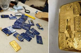 The gold bars recovered from the 21 carriers