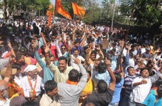 Sena workers celebrating in Dahisar. Picture Courtesy: Subodh M