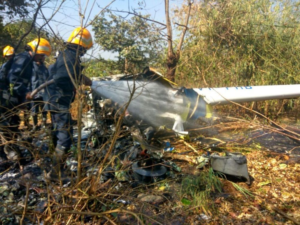 In Pictures: Helicopter carrying 4 crashes in Aarey Colony, Goregaon 2