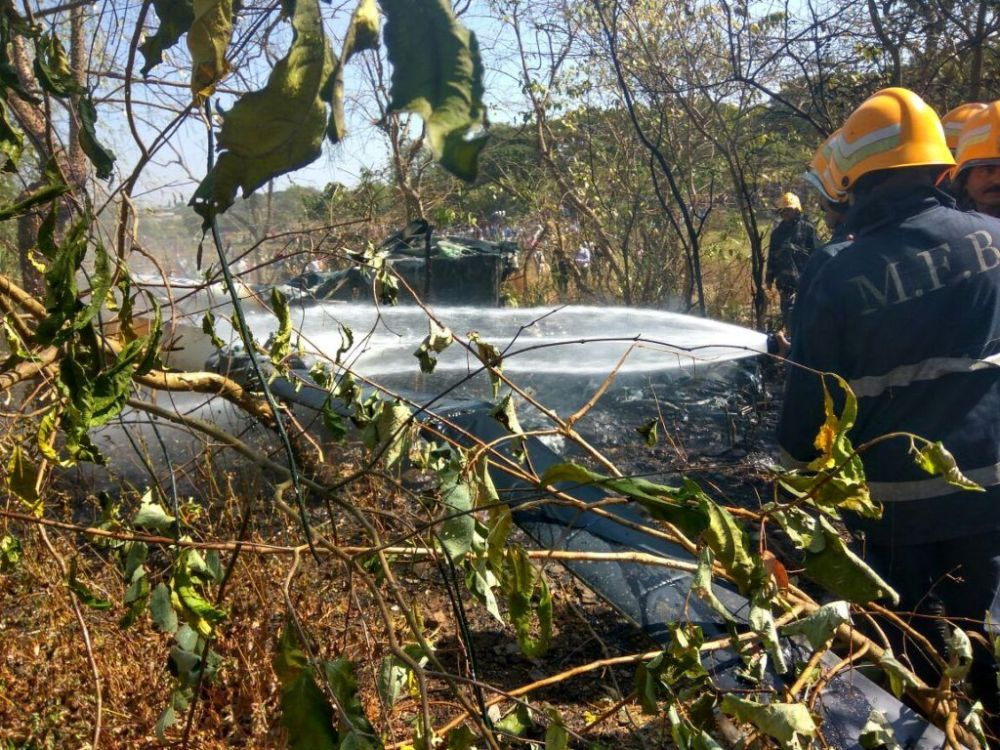 In Pictures: Helicopter carrying 4 crashes in Aarey Colony, Goregaon 4