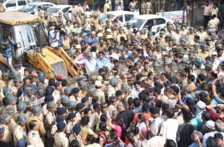 The clash between the locals and BMC ended in a lathicharge. Picture Courtesy: Deepak Salvi/Live Photo