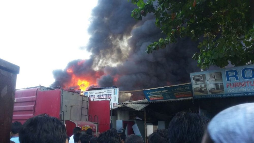 Video: Major fire at furniture market in Oshiwara, multiple cylinder blasts heard 2