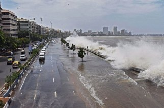 BMC has issued an alert of a 4.6 metres high tide at 3.23 pm today (Representational Image)