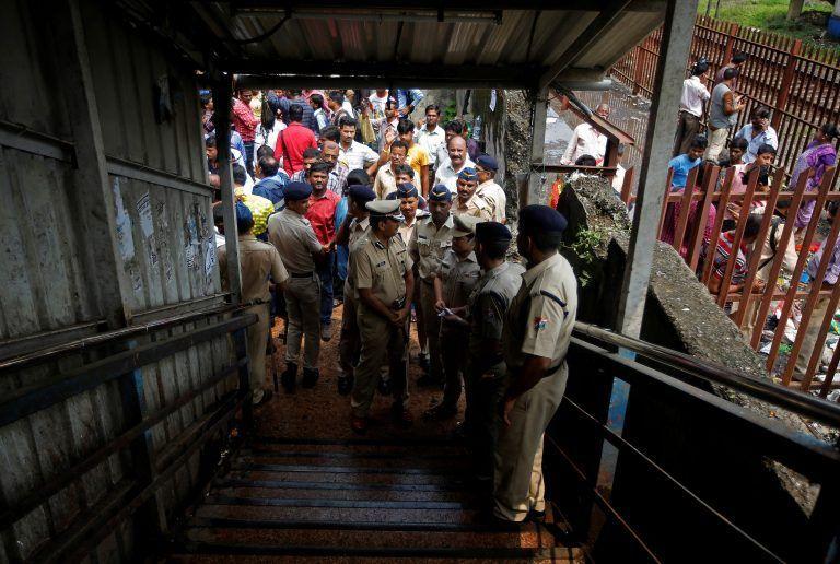 WR panel interviews 30 eye-witnesses, blames heavy rains for Elphinstone stampede