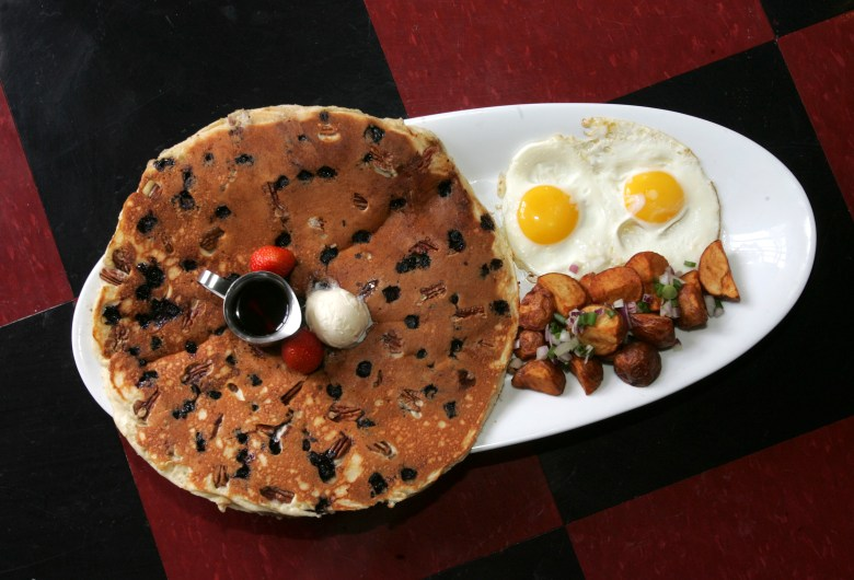 tractor driver combo hash house go