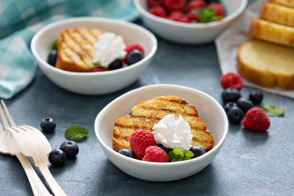 Recipe Grilled Pound Cake Berries