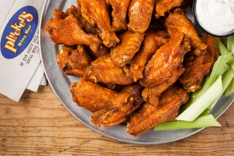 pluckers plano pluckers wing bar hot wings signature sauces appetizers fried pickles community offers kids eat free hot wings