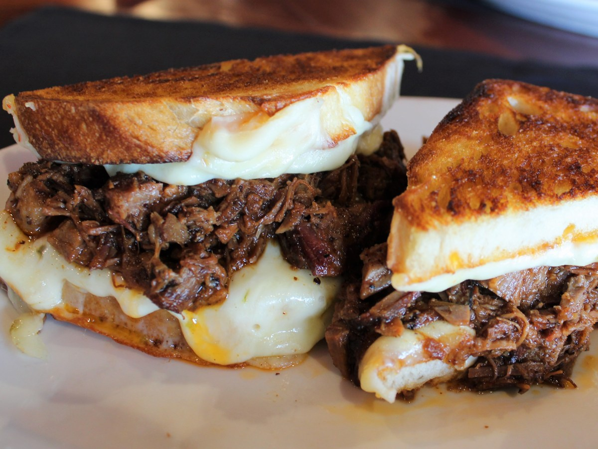 brisket grilled cheese kennys burger joint plano