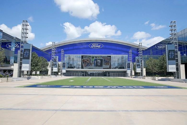 20160828 thestar ford center exterior01 rev x3
