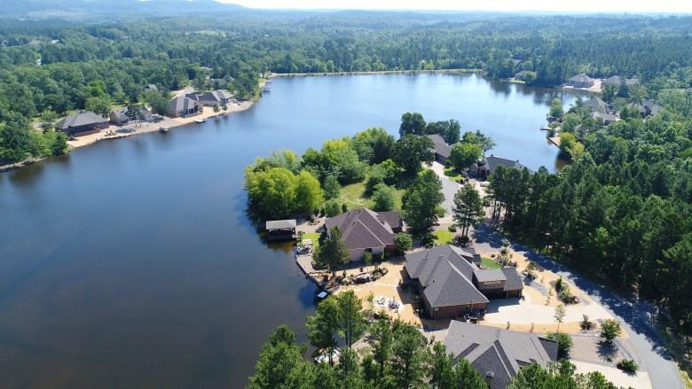 hot springs village, arkansas, lake, mo9untain, golf, vacation, re/max