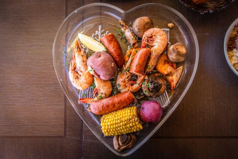 cajun shrimp boil at bongo beaux's in celina, texas