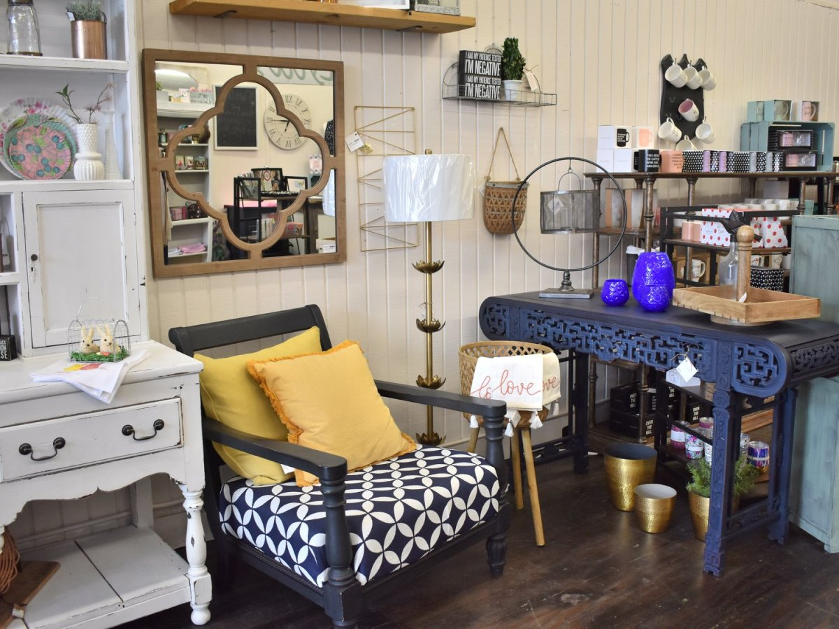 Lyla's local boutique interior