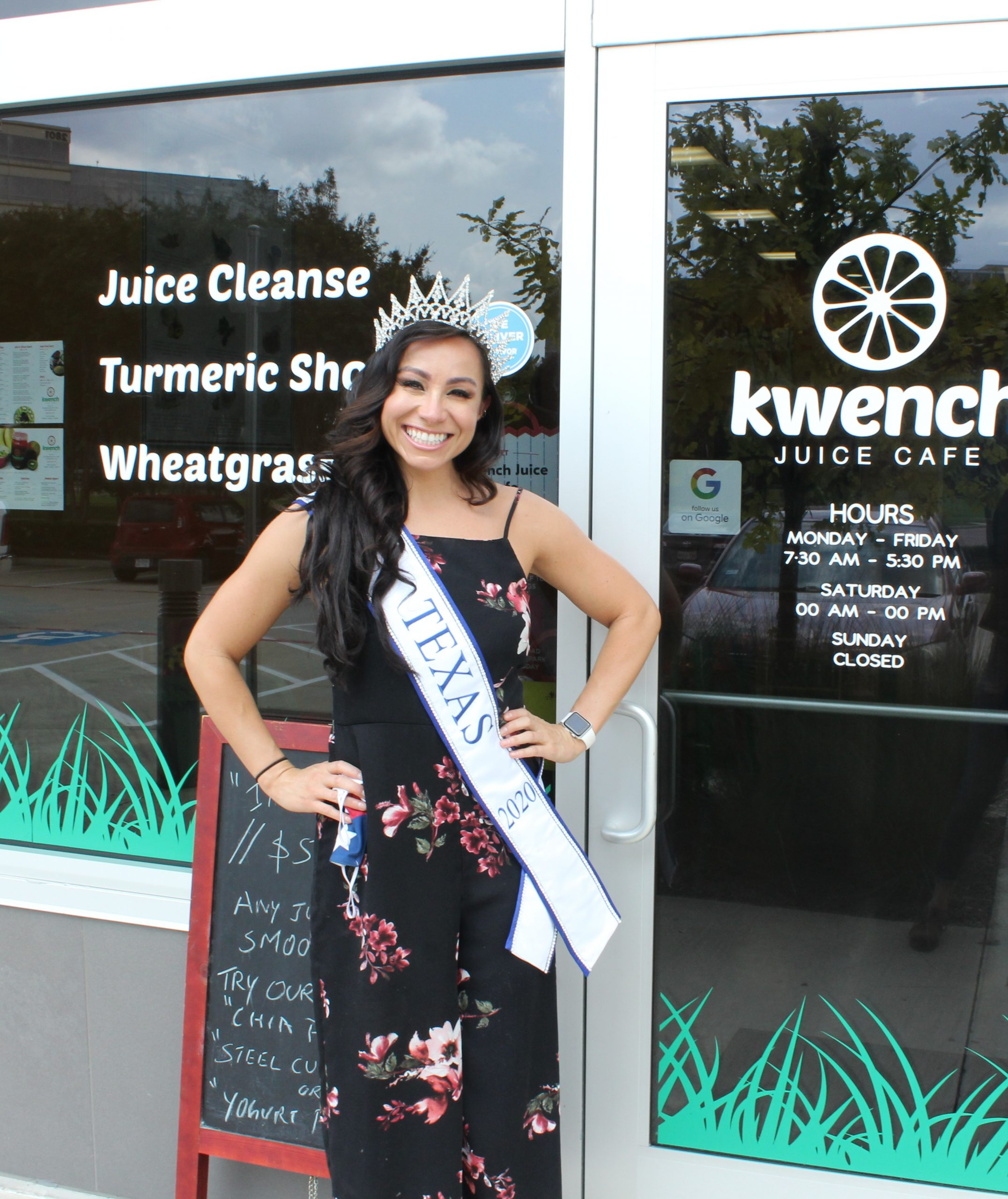 Ms. Texas 2020 Visits Frisco Cafe, Advocates for Mental Health and Cleaner Oceans