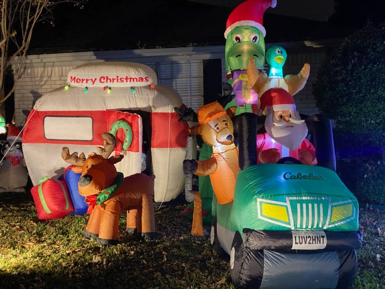 neighborhood holiday light displays